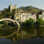 Liguria da vedere: Il paese di Dolceacqua - Foto di Gianni Ottonello