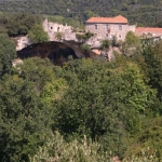 Liguria da vedere: la grotta neolitica dell'altipiano delle Manie - Foto di Gianni Ottonello