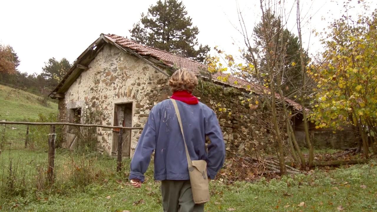 """Trailer di """"Una Croce sulla Giacca – Don Berto, il prete partigiano"""""""