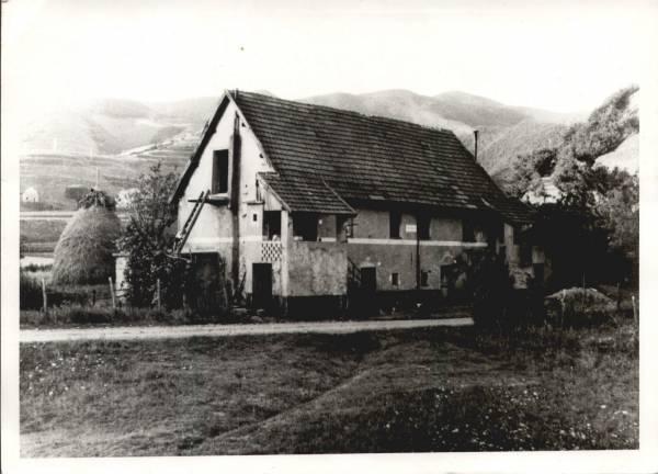 Una cascina di Masone che non c'è più: Cascina Isolazza - Foto di Gianni Ottonello